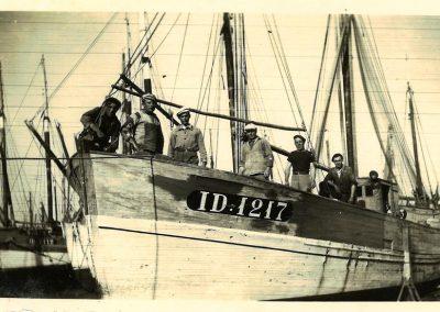 Années 50 La Jeanne Isabelle bateau pêche en mer Mareyage Hennequin