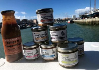 Produits Mareyage Hennequin, soupe de langoustine, soupe de poisson, Thon au citron, tapenade ... Les sables d'olonne